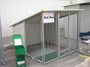 Pavimento In Gomma Per Box Cani : Strutture per allevare